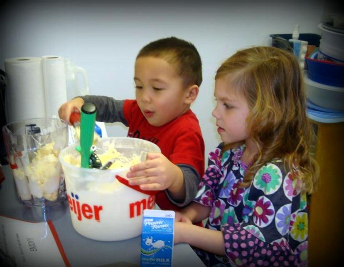 Calvary Lutheran School Photo - Kids get to have hands' on experiences starting in Preschool!