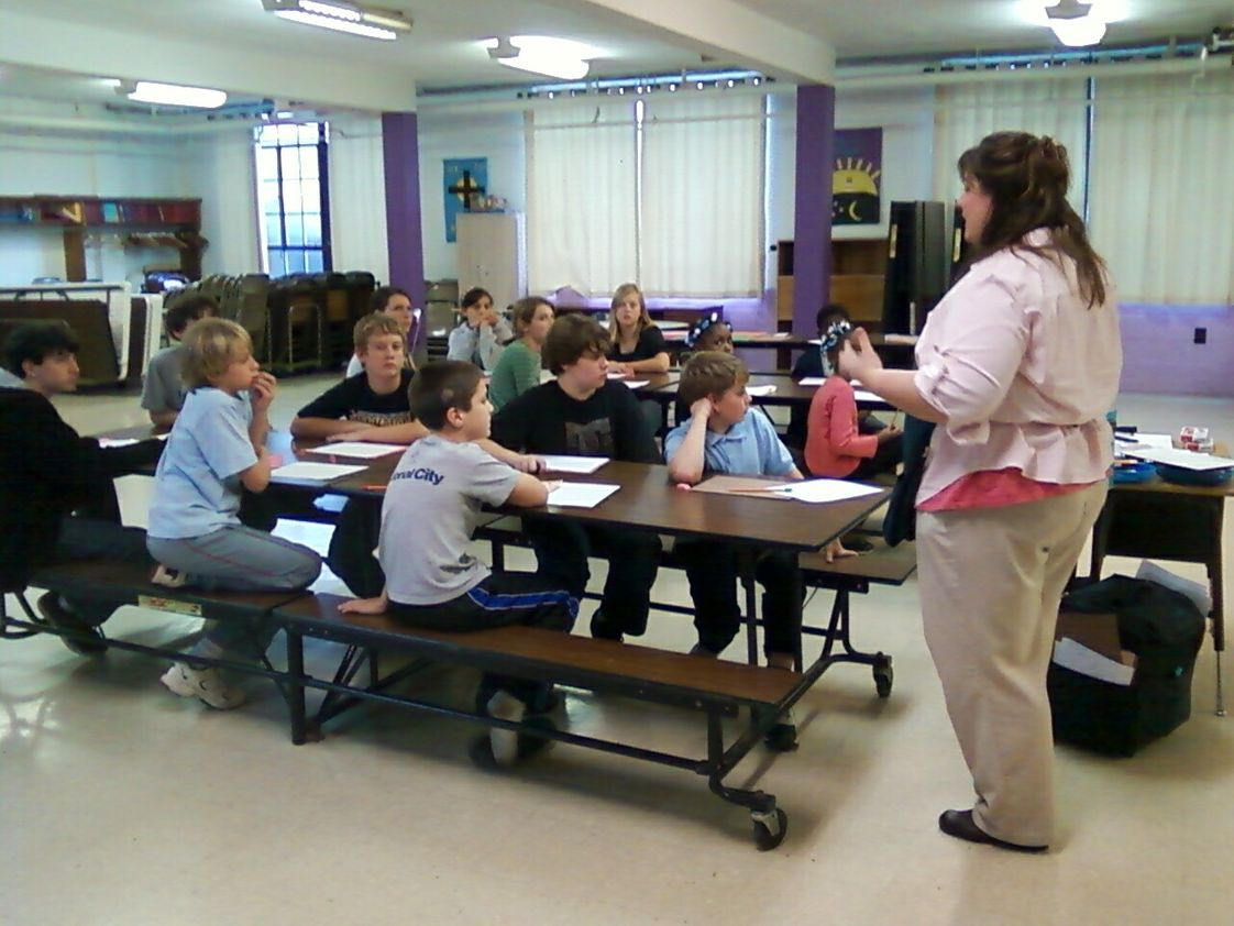 Lakewood Lutheran Elementary School Photo - Lakewood Lutheran School students participate in Young Rembrandts art classes.