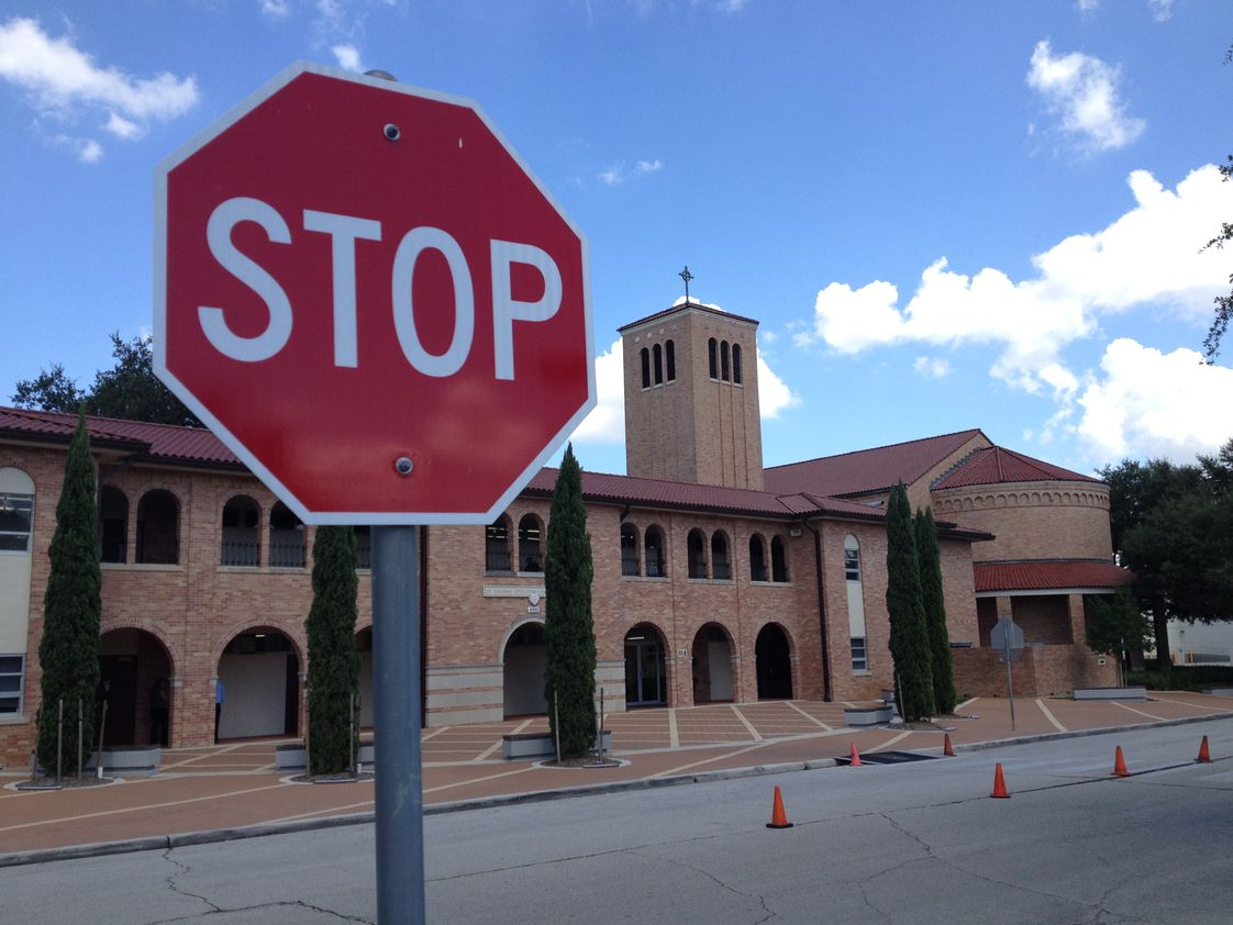 St. Thomas' Episcopal School Photo - Stop by our beautiful campus for a tour.