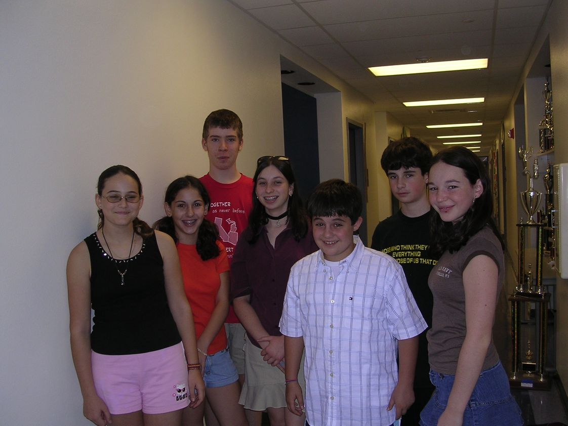 Pardes Jewish Day School Photo - Pardes Jewish Day School has an excellent Middle School from 5th-8th grade.Our graduating students enter AP and Honor classes in their respective High Schools