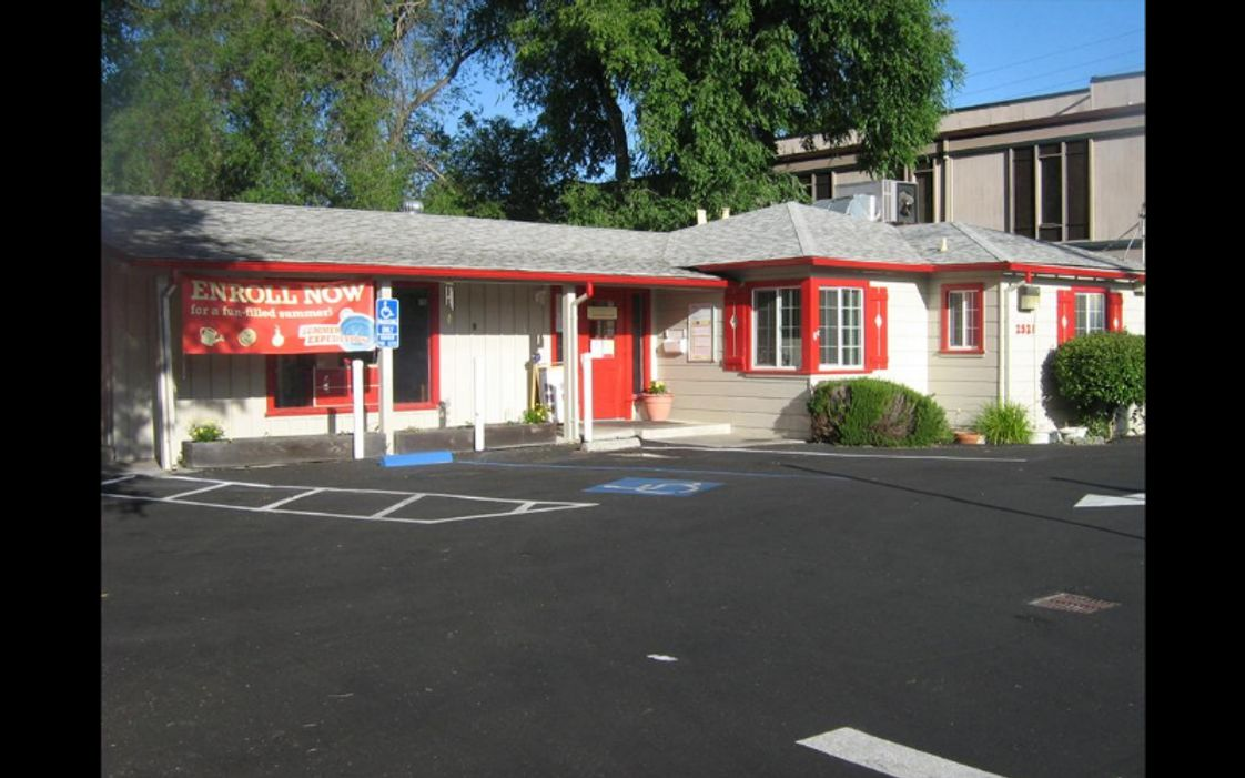 Walnut Boulevard KinderCare Photo - Building